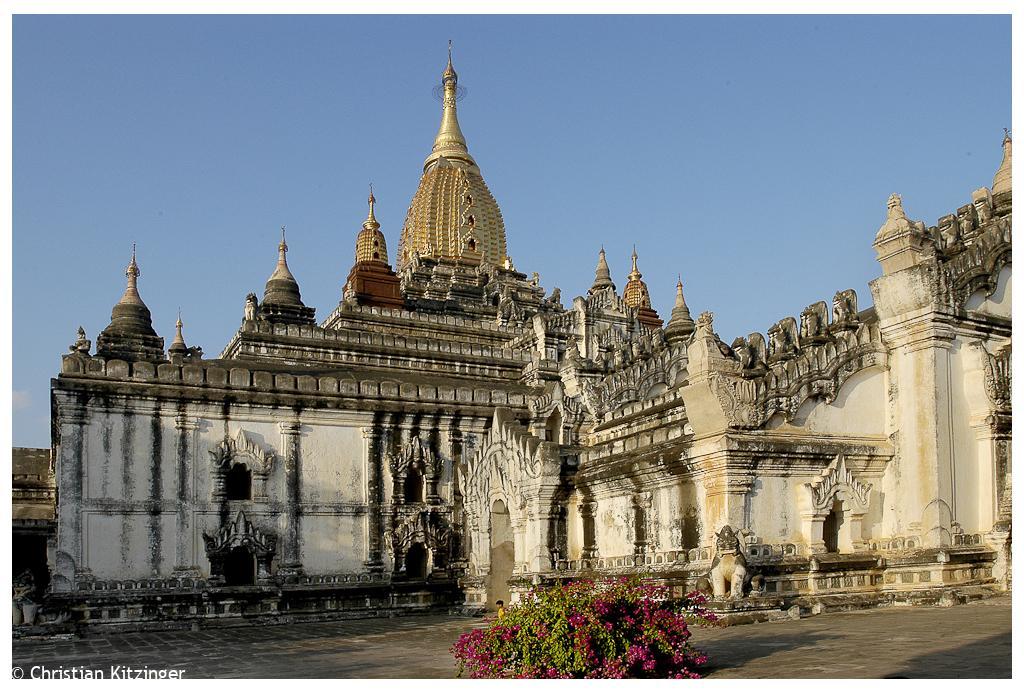 Bagan 2006 Temple Ananda